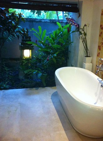 Sudamala Suites & Villas : We love the bathroom!