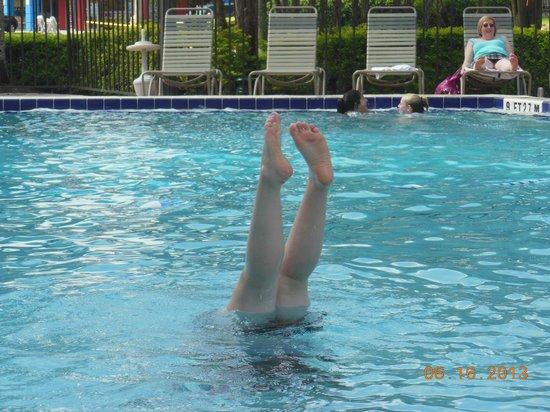 Rosen Inn: pool time