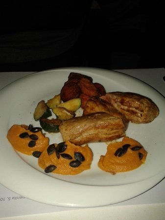 Trilogija : Tenderloin with  pumpkin mash and sweet potato