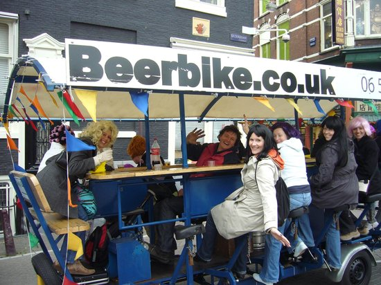 Fitz Guest House and Cafe: beerbike tour in Town was great with the stay