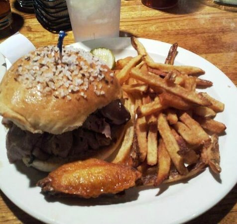Strykersville, Нью-Йорк: Perfect Beef on Weck as it should be!