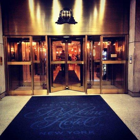 Park Lane Hotel: Rear Entrance