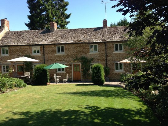 Cotswold Holiday Rose Walk Cottages : Rose Walk