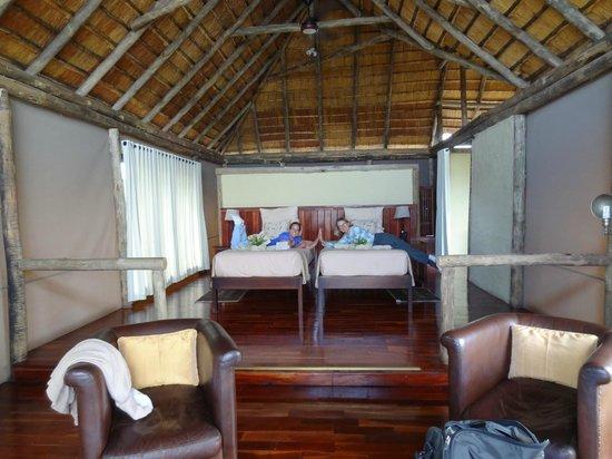 Lagoon Camp - Kwando Safaris : Lagoon bedroom; bath to the right