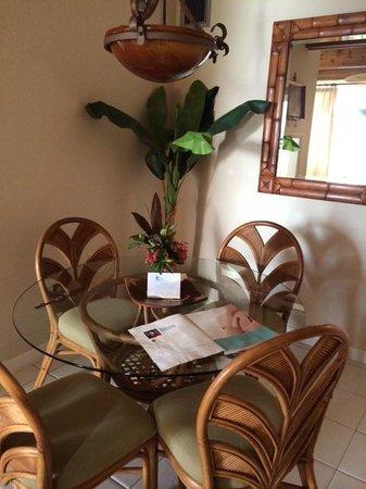 Secret Harbour Beach Resort : Room