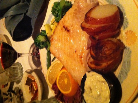 Sea Chest Oyster Bar : The halibut platter