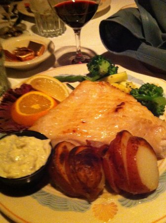 Sea Chest Oyster Bar: The halibut platter