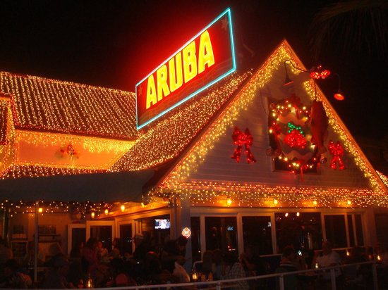 Aruba Beach Cafe: Dressed up in Holiday style