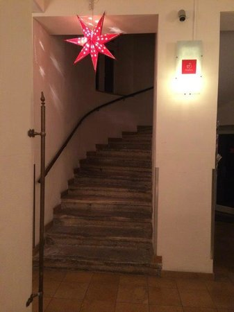 Hahn Apartments: Stairs to your room...