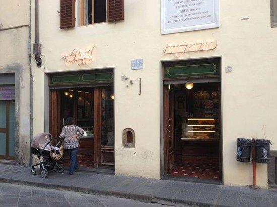 Vivoli : The outside is understated but the gelato ROCKS!