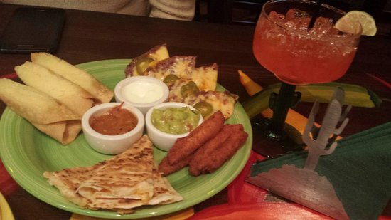 ekoTako Mexican Grill: Plato Fiesta!  Consistently tasty Mexican food,  quick sevice, great bar.
