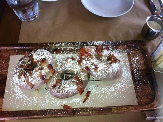 Great Maple: yum - maple glazed donuts