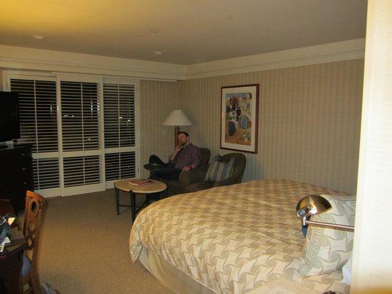 Monterey Bay Inn: bedroom