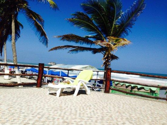 Agua Dorada Beach Hotel by LIDOTEL: Área de la playa