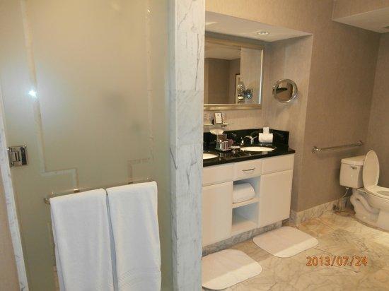 The Ritz-Carlton, South Beach : el baño