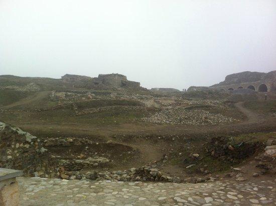 Kalaja Fortress: Bel castello ma in uno stato di abbandono