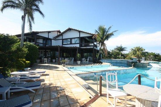Tropico de Capricornio : View across pool to main building