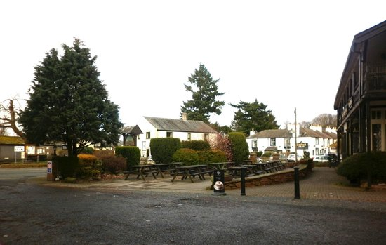 Pooley Bridge Inn: Outside the pub
