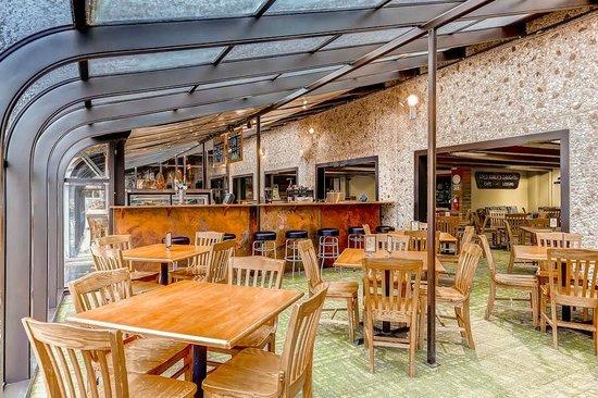 Goldminer's Daughter Lodge : Slope Side Joe & Cafe