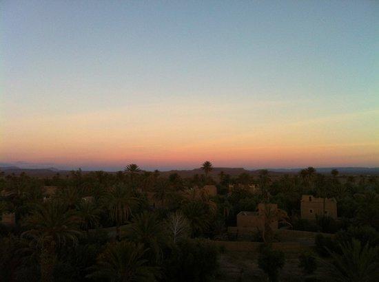 Kasbah Ait Abou Restaurant Auberge: coucher du soleil