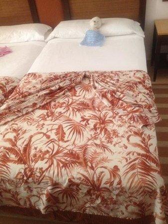 Hotel Costa Calero: beds made!