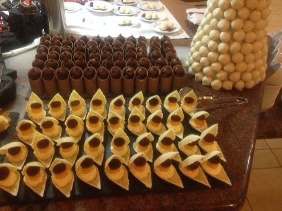 Hotel Costa Calero : more desserts. delish