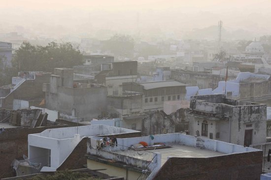 Mewargarh Palace: view over the city from the rooftop restaurant