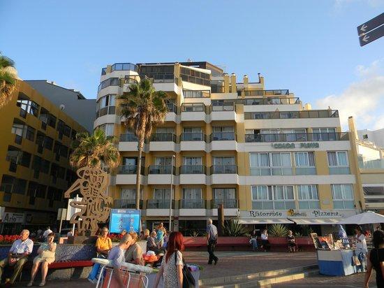 Apartamentos Colon Playa: Вид со стороны пляжа
