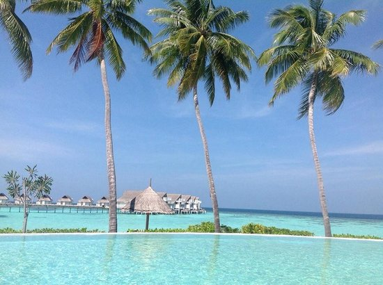 Centara Grand Island Resort & Spa Maldives : View from Club pool
