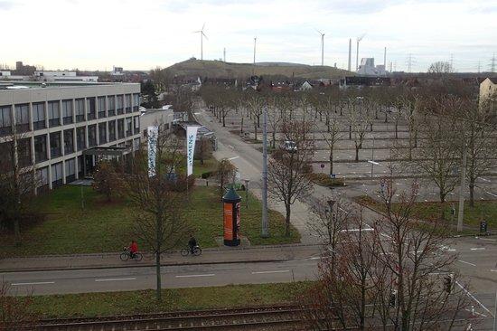Star Inn Karlsruhe: View from the Star Inn on Siemensallee