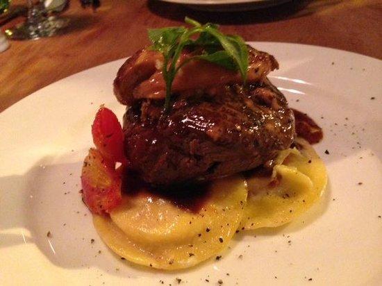 Le Petit Zinc : Beef steak with Foie gras
