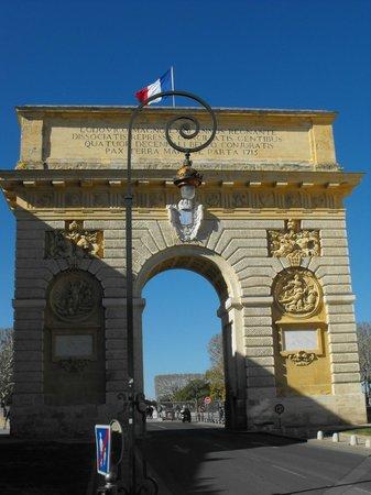 Porte du Peyrou : Вид на арку со стороны старого города