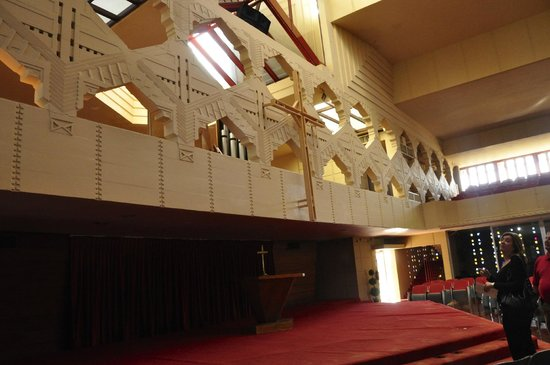 Florida Southern College: Annie Pfeiffer chapel interior
