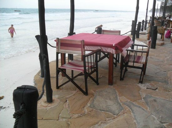 Nomad Restaurant : Direkt am Meer