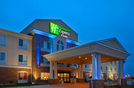 Emporia Holiday Inn Express Hotel & Suites Emporia Northwest: Hotel Exterior