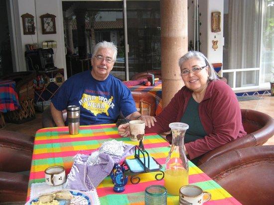 Hacienda Paraiso de La Paz Bed and Breakfast/Inn: Hosts Richard and Gloria
