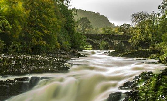Sheen Falls Lodge: Sheen Falls in October taken by Jason Verdon