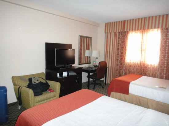 Holiday Inn Miami Beach : dormitorio 1