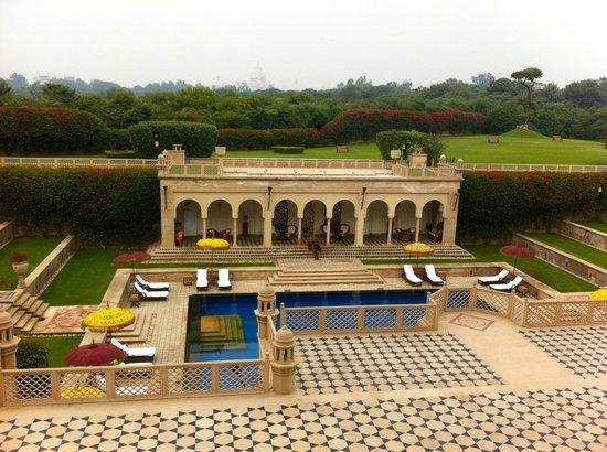 Esphahan: Piscine et terrasses