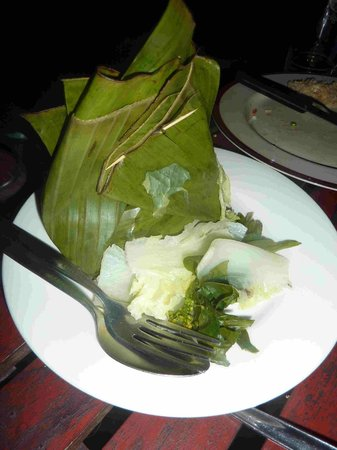 Ban Sabai Riverside Bungalow: Chicken and Vegetables in Banana Leaf