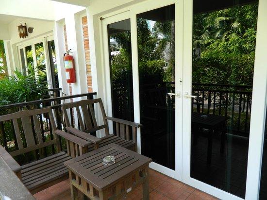 Krabi Tipa Resort: veranda camera standard