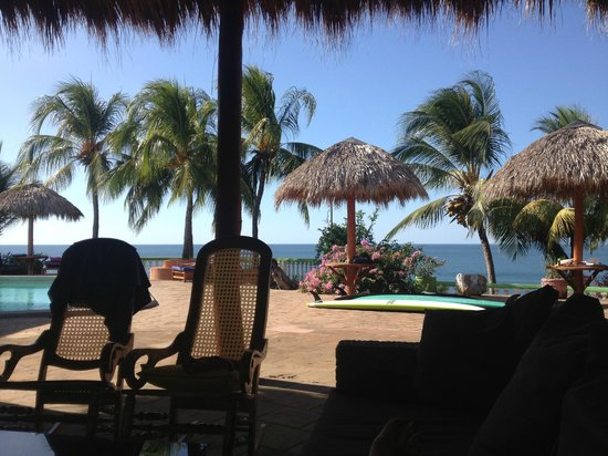 Rise Up Surf Tours Nicaragua: Hotel grounds
