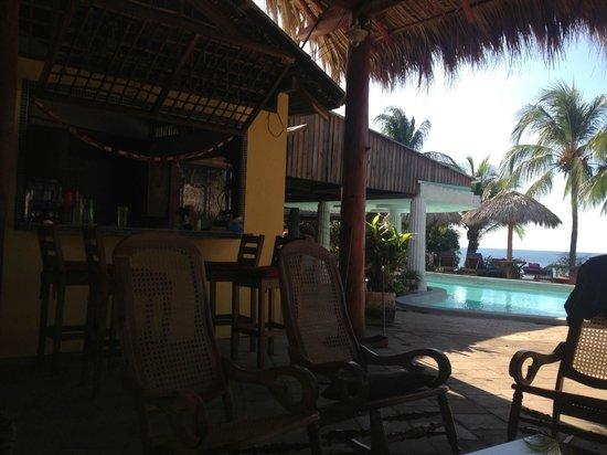 Rise Up Surf Tours Nicaragua: Communal Kitchen & Bar area