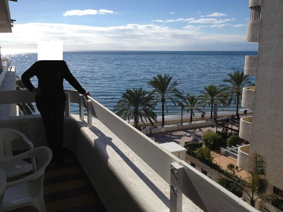 Aparthotel Puerto Azul Marbella : view from our terrace, jan.2014
