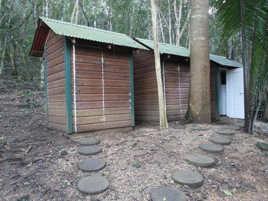 The Lodge at Chaa Creek: Flush Toilet Outhouses