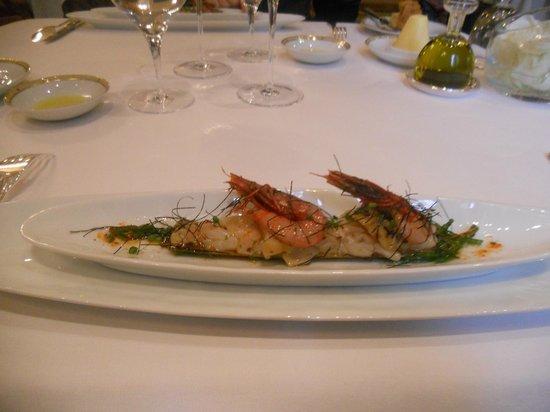 Le Cinq : Couteau de Galice nacré au beurre d'algues, crevette de Palamos (avec des ormeaux)