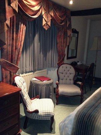 Ye Horns Inn: double room