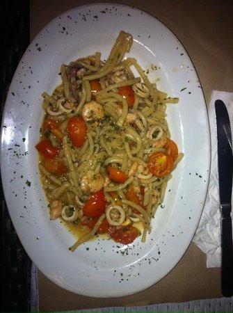 Trattoria Cucina Italiana: bucatini di mare