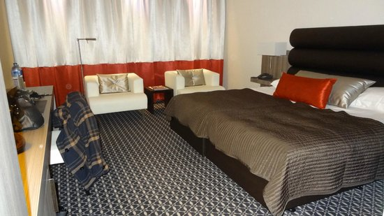 Van der Valk Hotel Maastricht : Zéér mooie, nette kamer, heerlijke bedden!