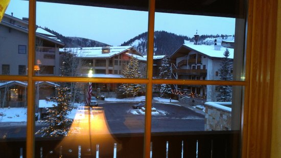 The Chateaux Deer Valley: Day View